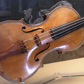 A Stradivarius on exhibit at Palacio Real de Madrid. Credit: Håkan Svensson