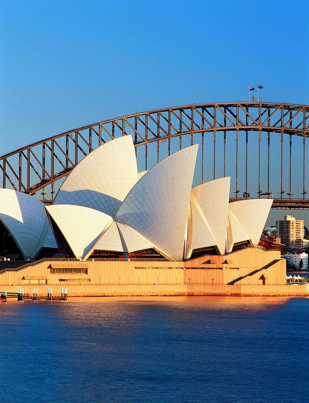 5386c3442991c2bf460b7b73_Sydney%20harbour%20portrait.jpg