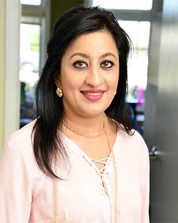 dr. saloni sharma, dentist novi