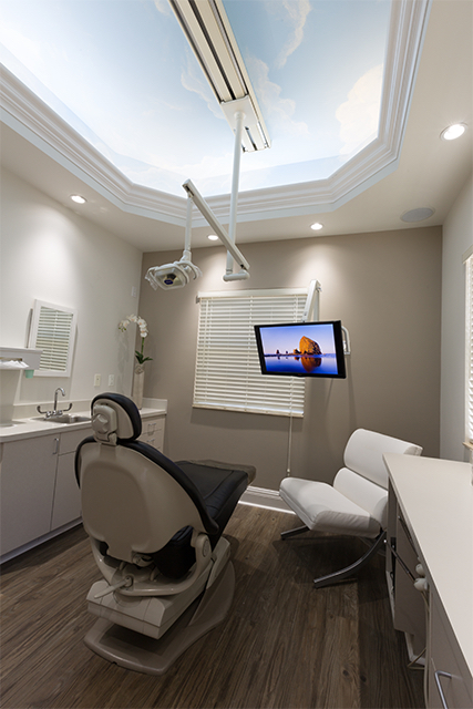 Dentist in Plantation
