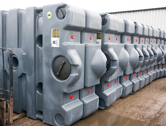 Plastic effluent tanks for site hire