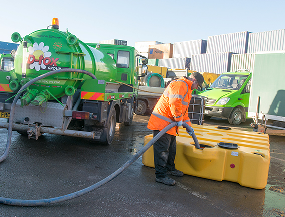Waste cleaning port for easy site maintenance