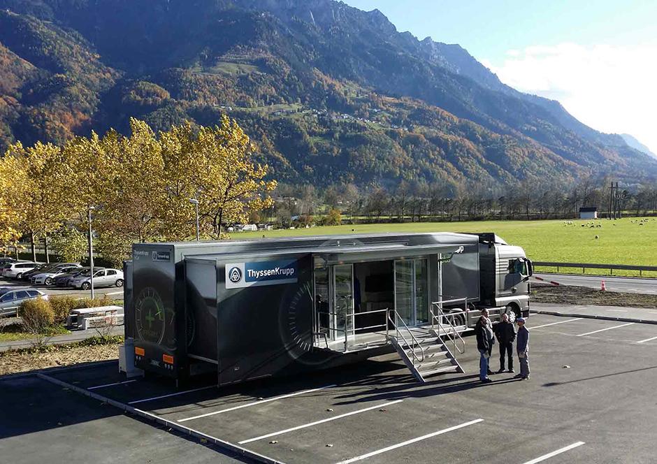Promotion-Auflieger und Roadshows durch Ligthart Mobile - Thyssen Krupp 5