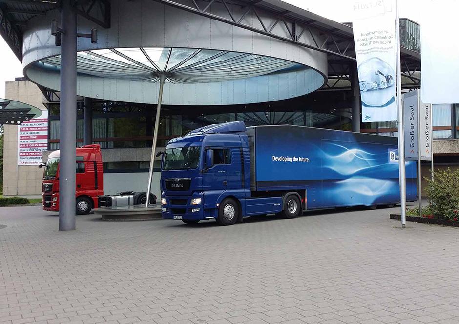 Promotion-Auflieger und Roadshows durch Ligthart Mobile I