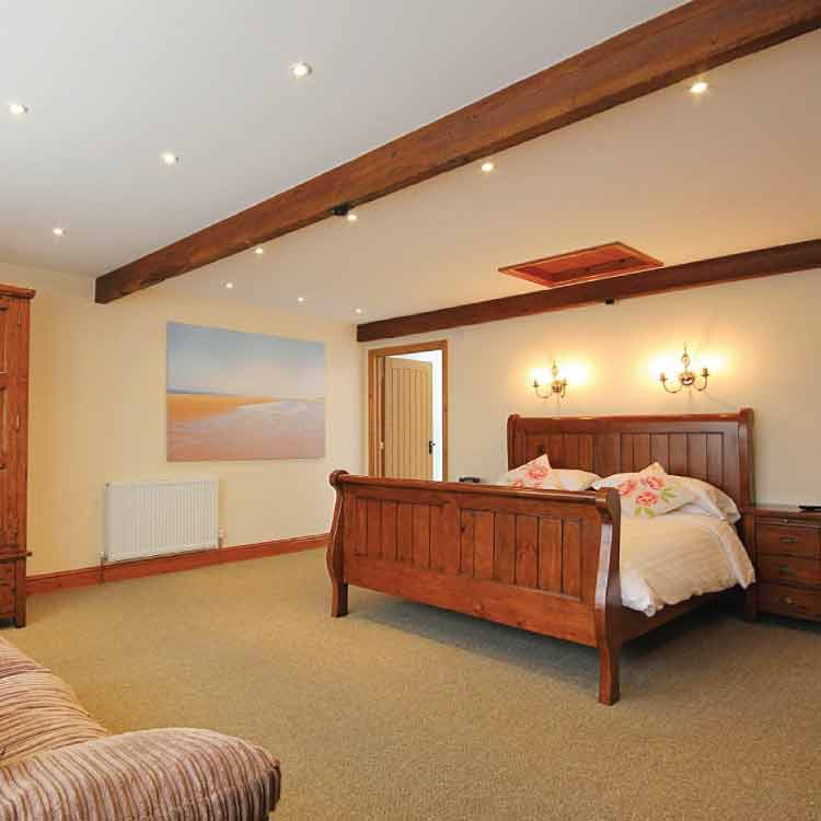 Bedroom in Holiday cottage, West Beckham