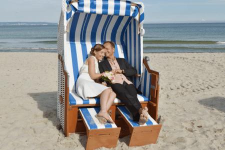 Hochzeitsfoto im Strandkorb - Binz Rügen