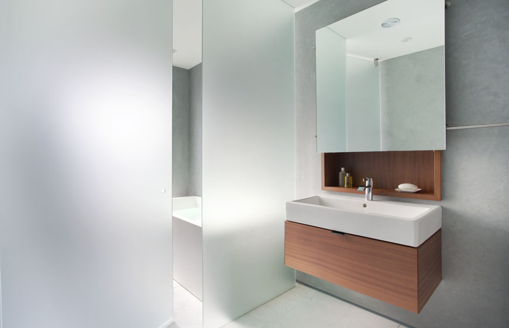 simple contemporary bathroom
