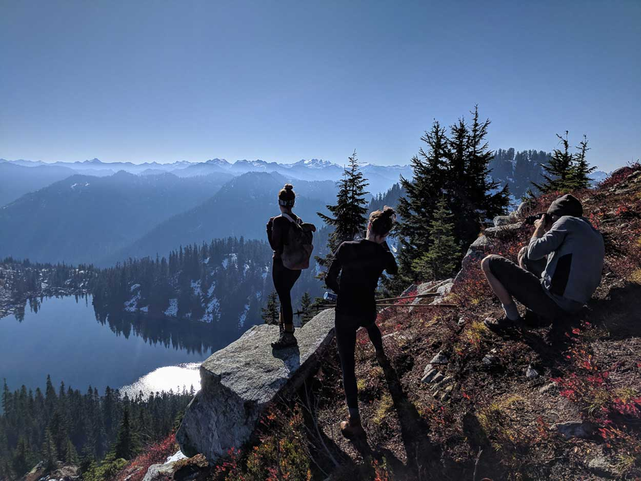 Picture or picture taking - posing with Crest above Lake Valhalla