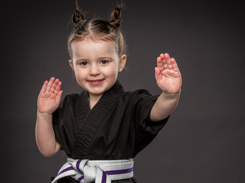 kids karate and kickboxing lessons