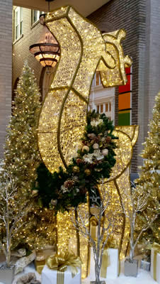 Atlanta Hotel Christmas Decor