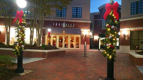 Shopping Center Christmas Lighting