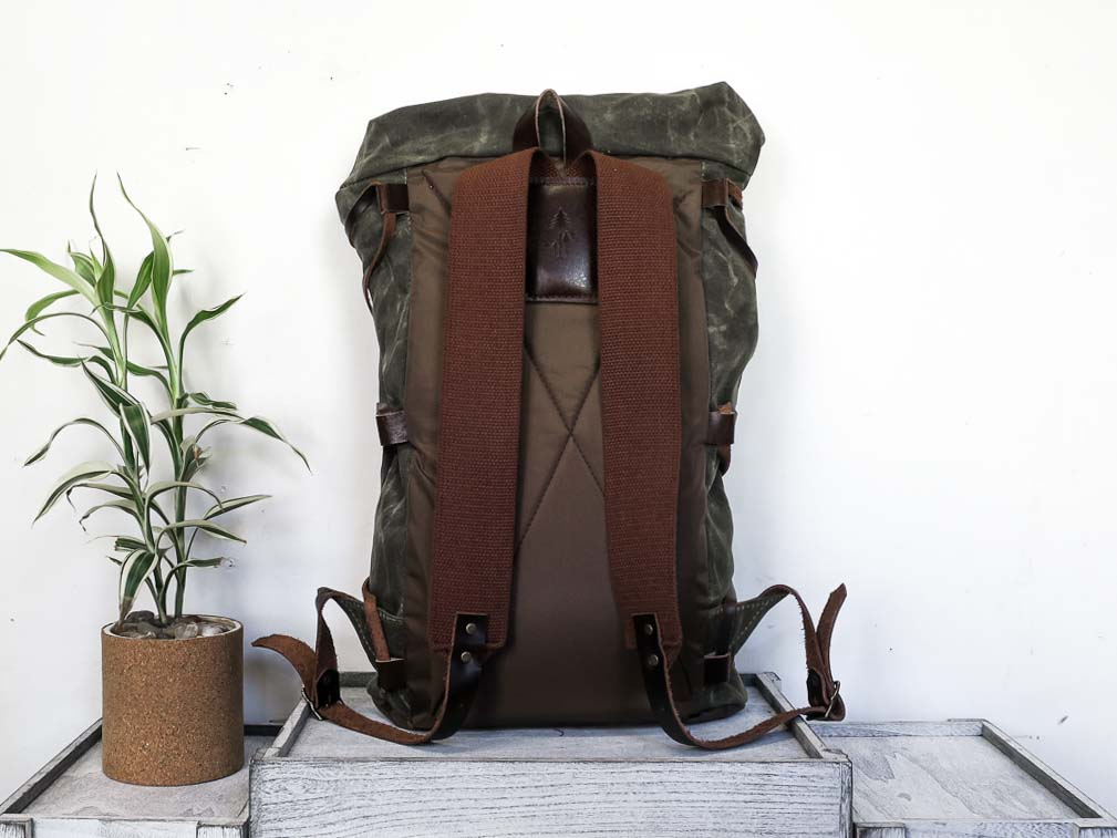 Uphill Designs - waxed canvas Divide rucksack - olive - back