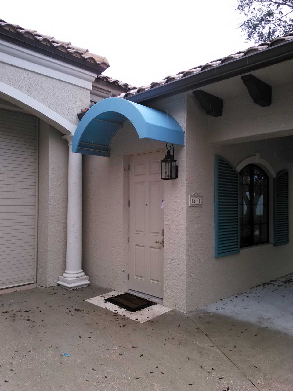 Entryway awning