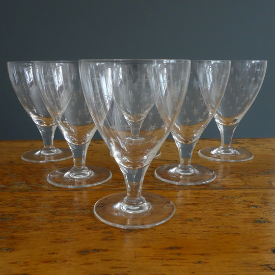 Hash patterned drinking glasses