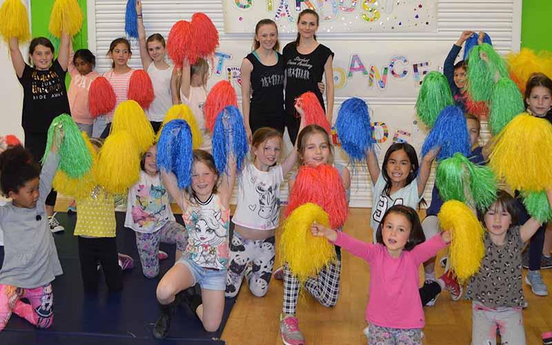 Cheerleadings at a workshop cheering