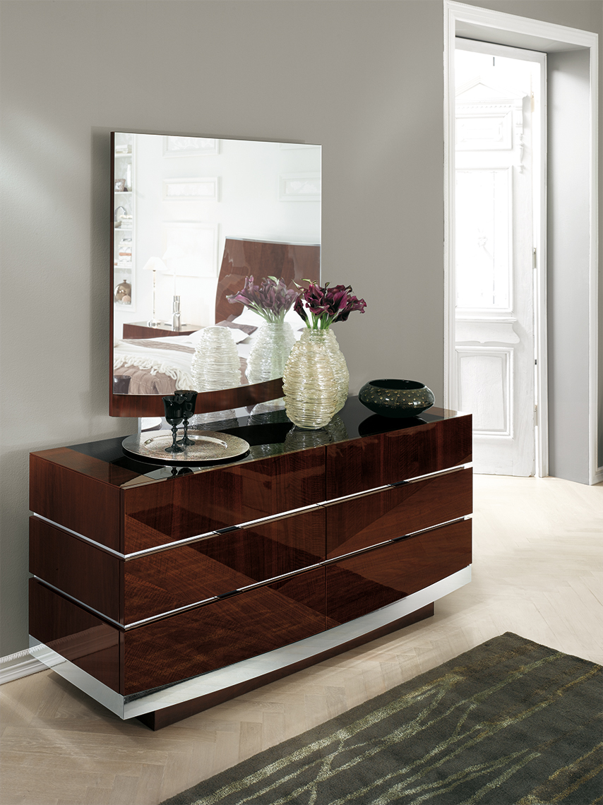 Garda Bedroom 6/DRW Dresser & Mirror