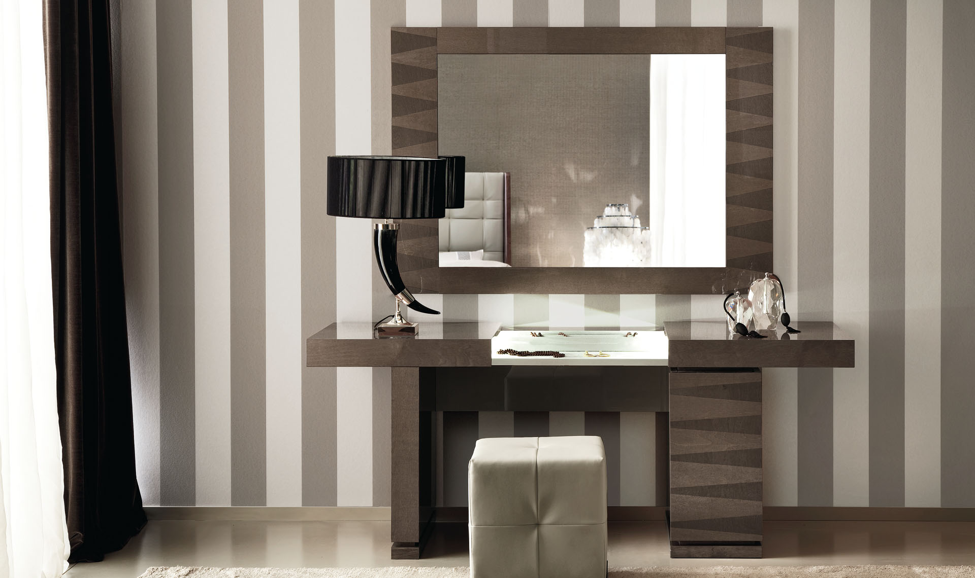 Monaco Bedroom Dressing Table & Pouff & Mirror