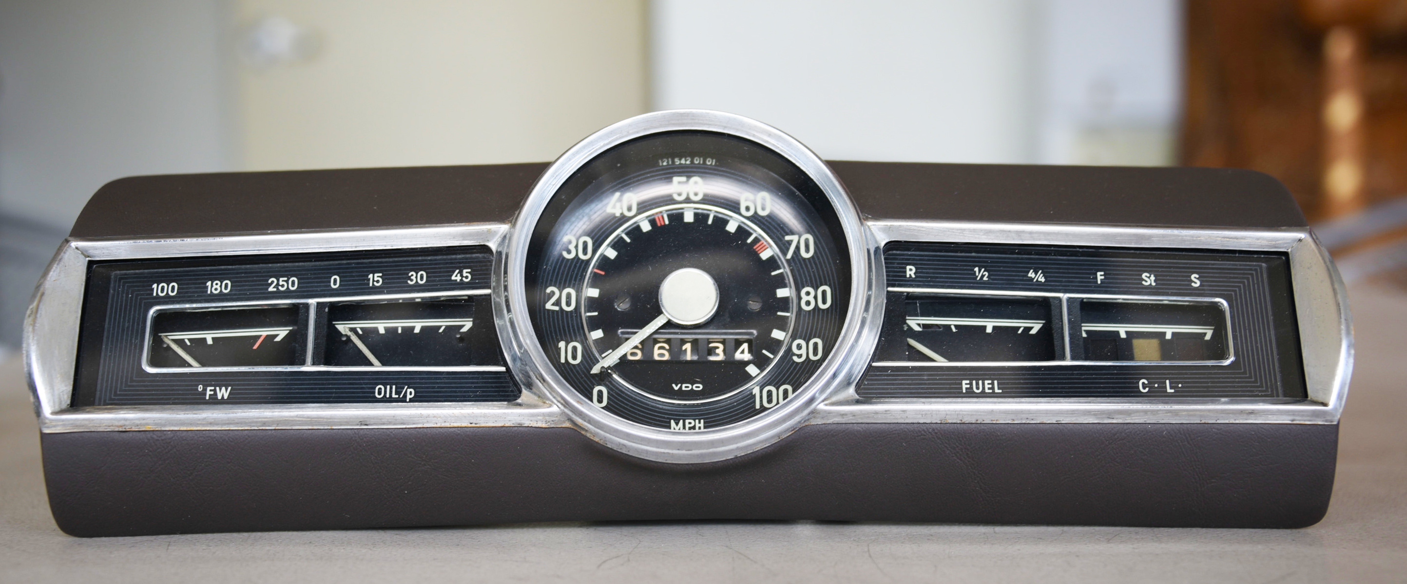 Old School Instrument Cluster, SVI